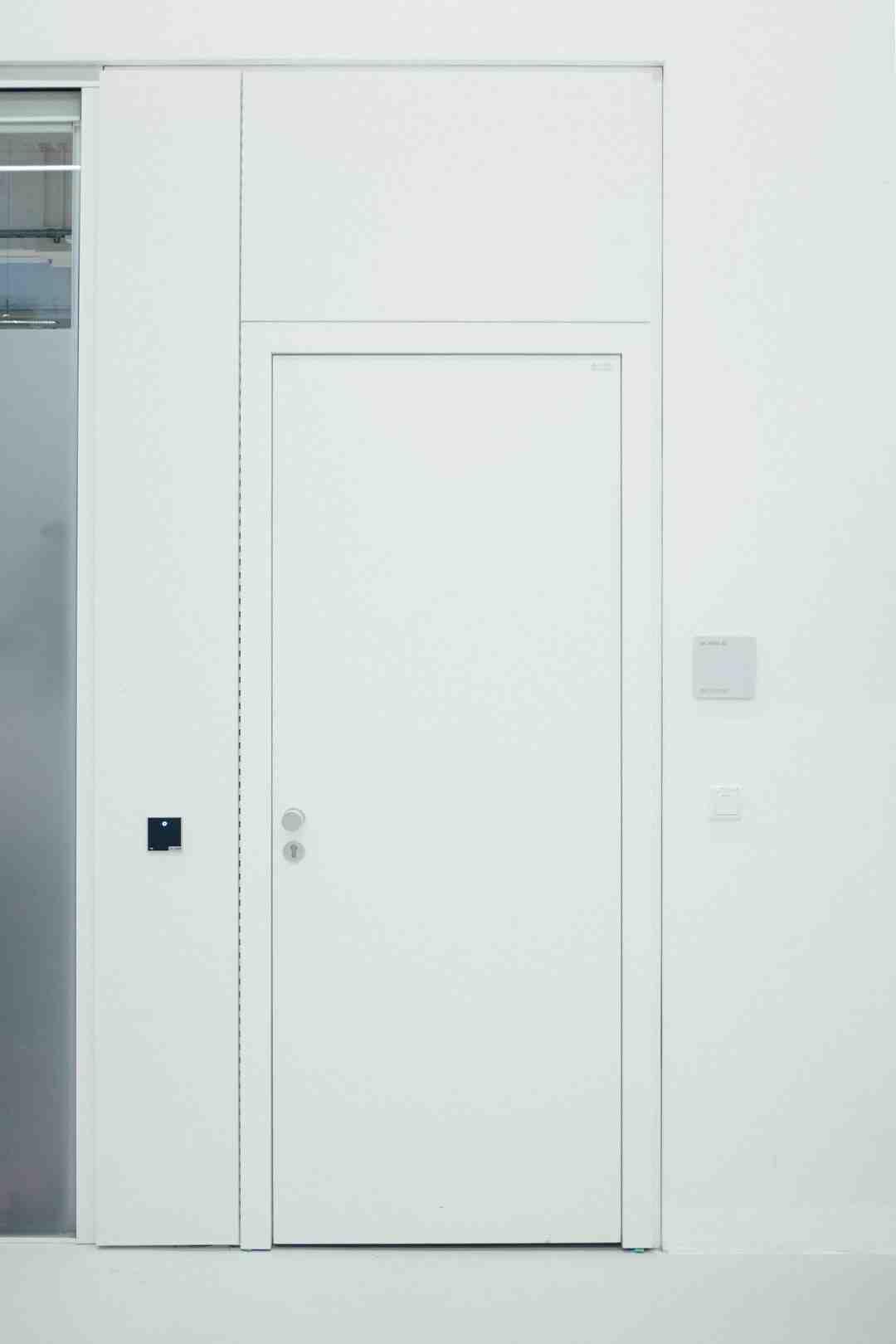 Comment isoler une porte du bruit ?